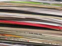 Muitos catálogos.